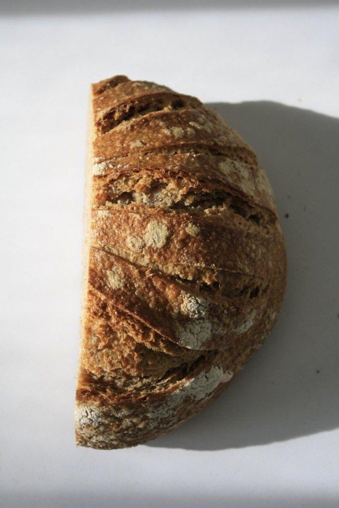 zijprofiel van het gebakken brood